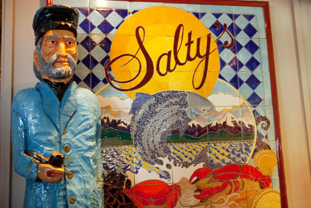 Salty's on Alki Beach
