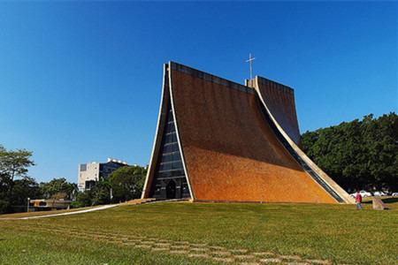 路思义教堂