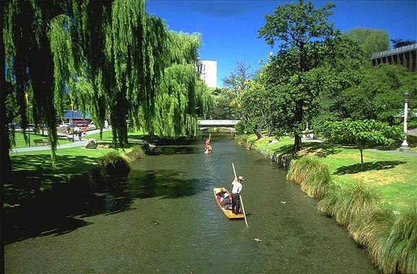 雅芳河旅游图片