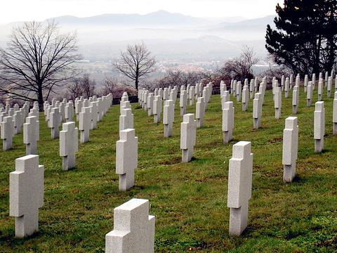 山德维勒德国战争墓地旅游景点图片
