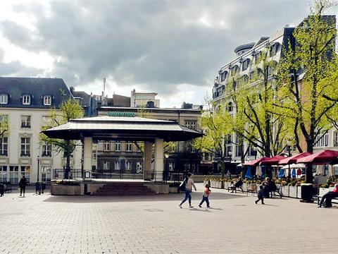 普勒斯广场旅游景点图片
