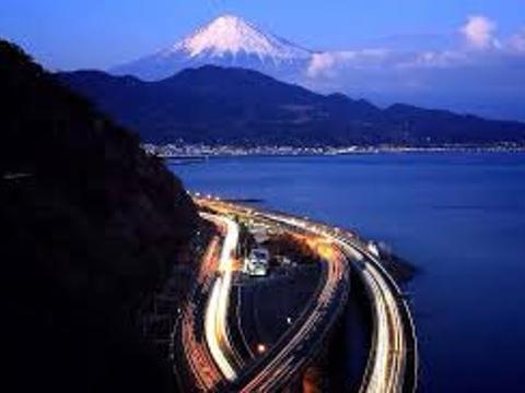 萨垂山顶旅游景点图片