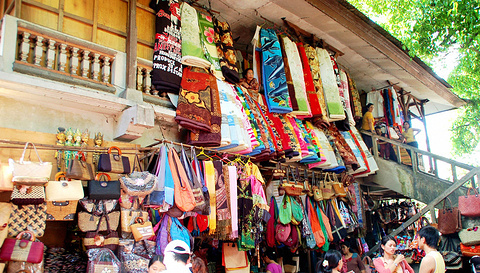 蜡染印花布、印尼传统服饰