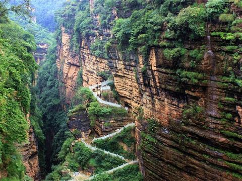 己衣大裂谷旅游景点图片