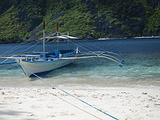 租坐螃蟹船欣赏岛屿景色