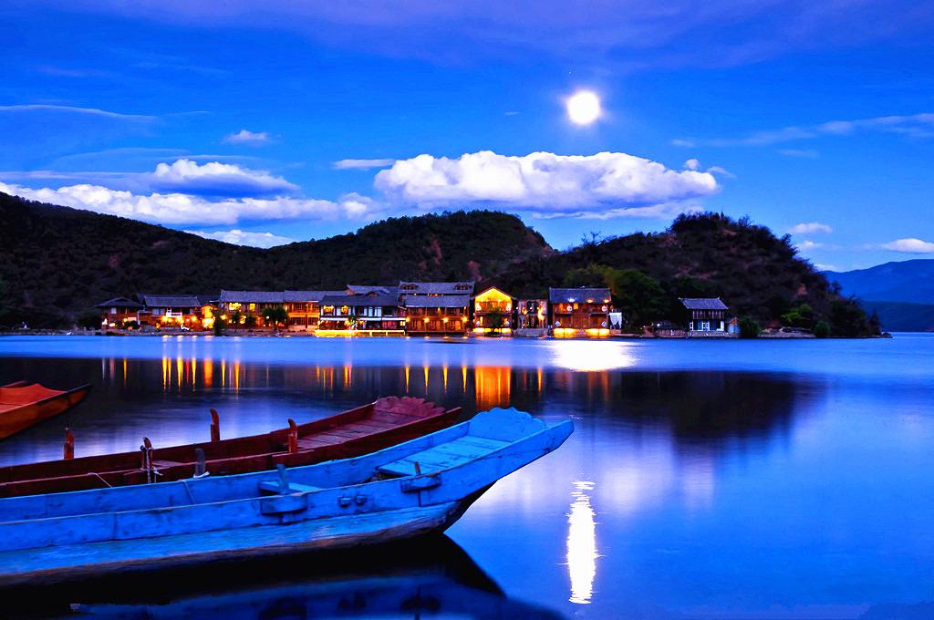 泸沽湖休闲观湖一日游