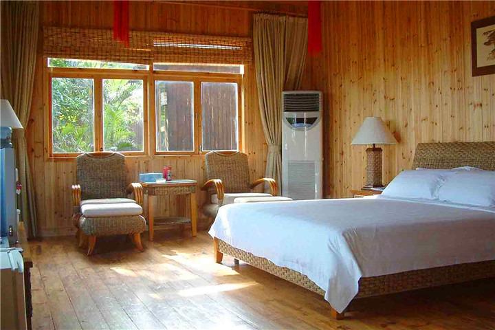 三亚蜈支洲珊瑚酒店木屋