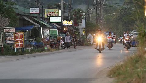 骑摩托车环岛