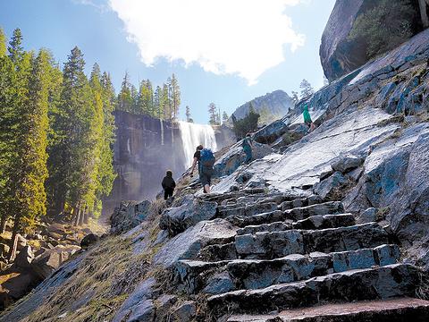 Mist Trail旅游景点图片