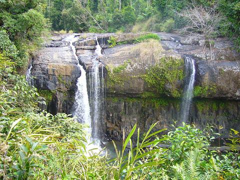 查帕拉瀑布旅游景点图片