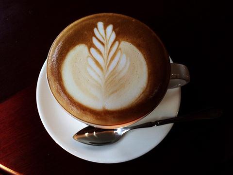 后窗精品咖啡(爱建店)旅游景点图片