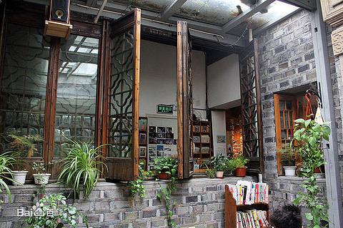 猫的天空之城概念书店(新天地店)的图片