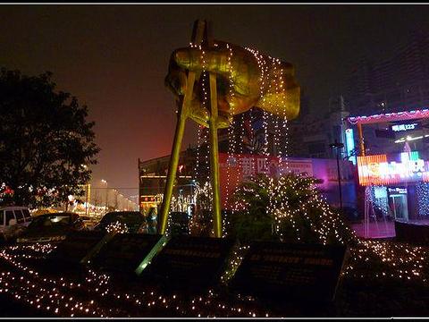 南滨路美食街旅游景点图片