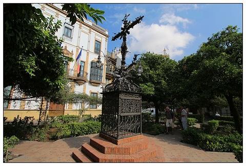 圣十字广场的图片