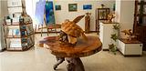 海洋生物的木雕制品