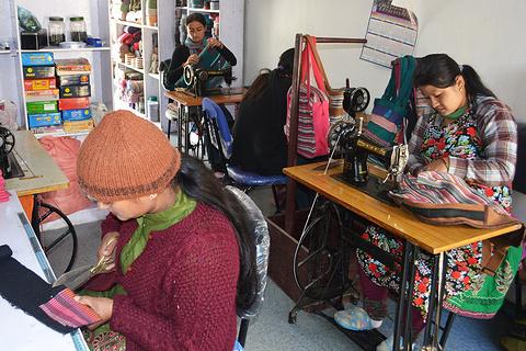 尼泊尔彩虹手工艺品店