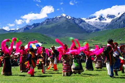 西藏民俗第一村的图片