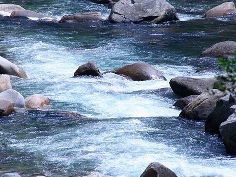 青龙大瀑布旅游景点图片