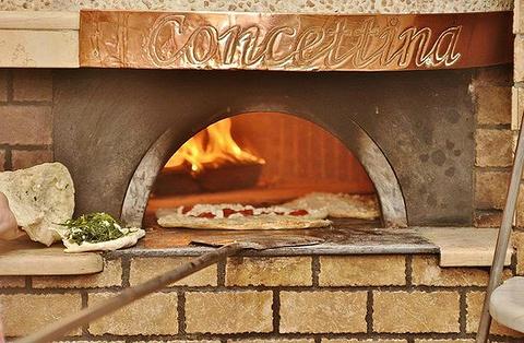 Pizzeria Oliva da Concettina ai Tri Santi