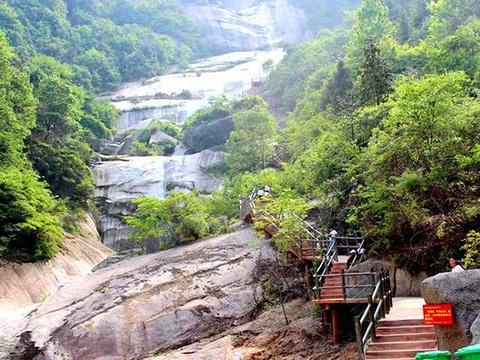 龙池河大峡谷景区旅游景点图片