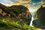阿蓬江大峡谷