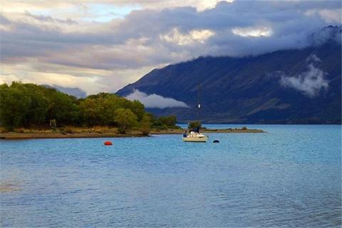 瓦卡蒂普湖的图片
