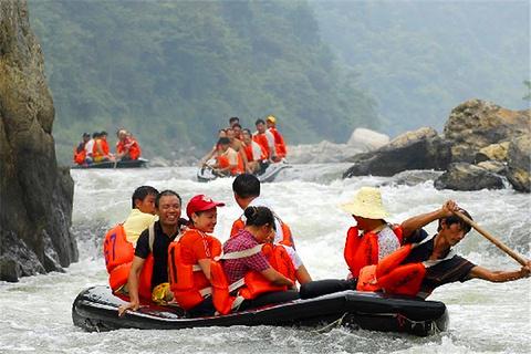 西峡龙河漂流