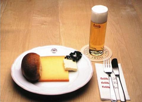 黑面包加奶酪