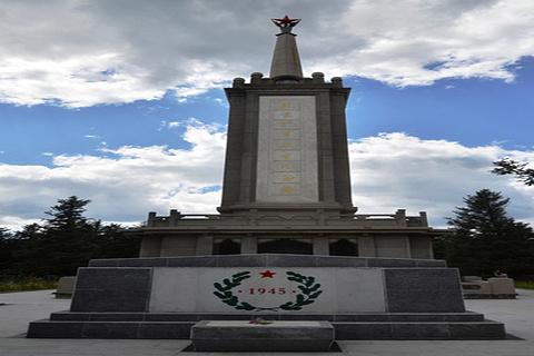 苏蒙烈士陵园的图片