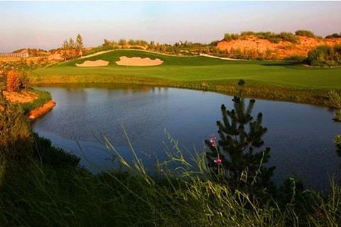 陕西榆林大漠绿淘沙高尔夫俱乐部