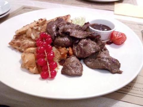 Yat Restaurant Buffet旅游景点图片