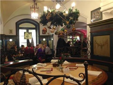 市政厅酒窖餐厅旅游景点图片
