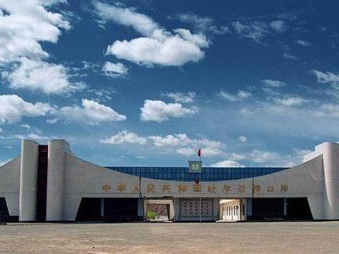 吐尔尕特口岸旅游景点图片