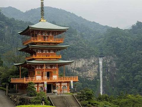 三重塔旅游景点图片