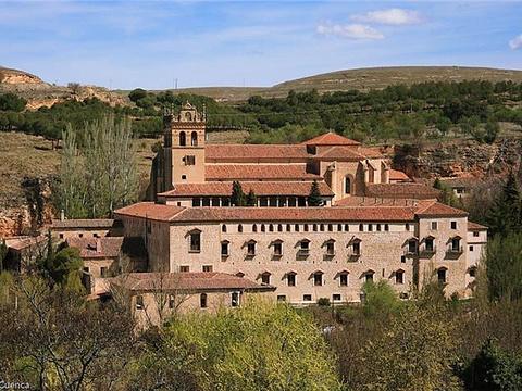圣母玛丽亚德尔帕拉尔修道院旅游景点图片