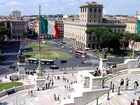 三位一体广场旅游景点图片