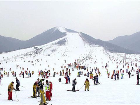 西柏坡温泉滑雪场旅游景点图片