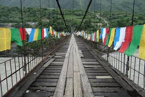 墨脱解放大桥