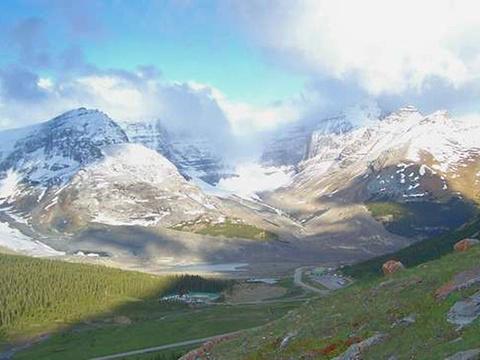 阿萨巴斯卡冰河旅游景点图片