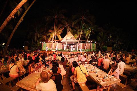 The Paradise Cove Luau