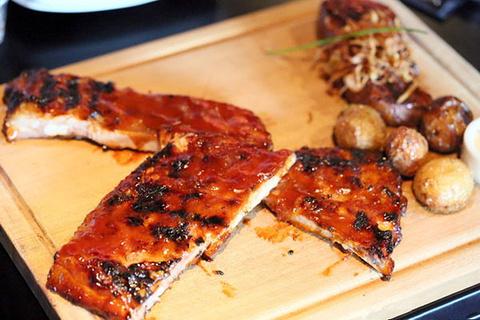 Flame Bar & Grill 美味烤肋排餐厅