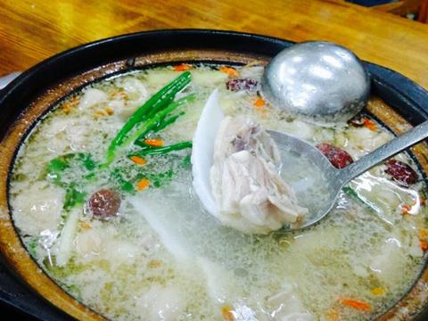 金岷坊椰子鸡餐厅(南国河西路店)旅游景点图片