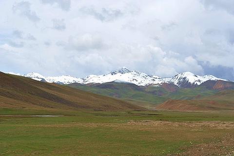 香加拉雪山