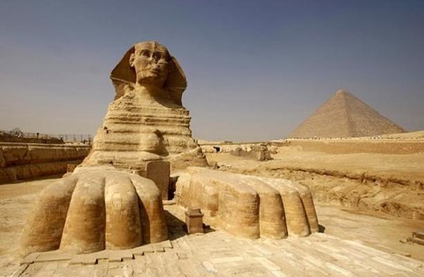 吉萨金字塔旅游图片