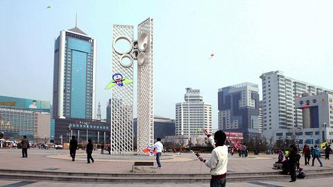 风筝广场放风筝