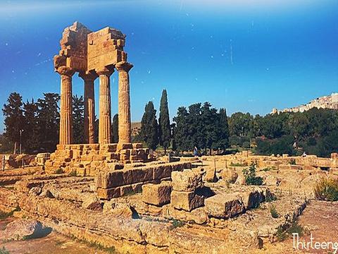 卡斯托莱庙和波卢切庙旅游景点图片