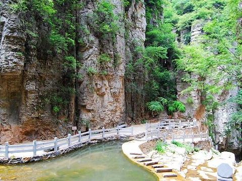 河南跑马岭地质公园旅游景点图片