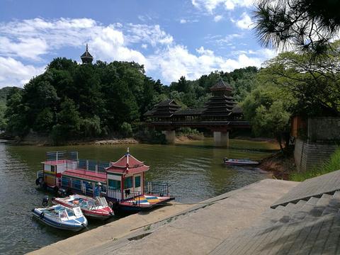 红枫湖的图片