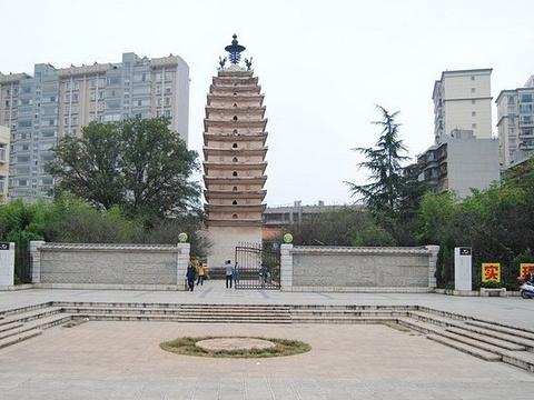 东西寺塔旅游景点图片