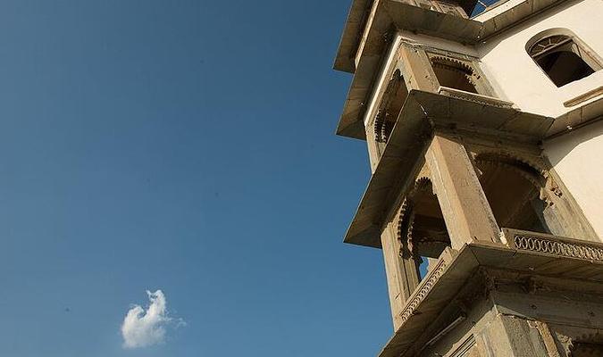 雨季宫殿旅游图片